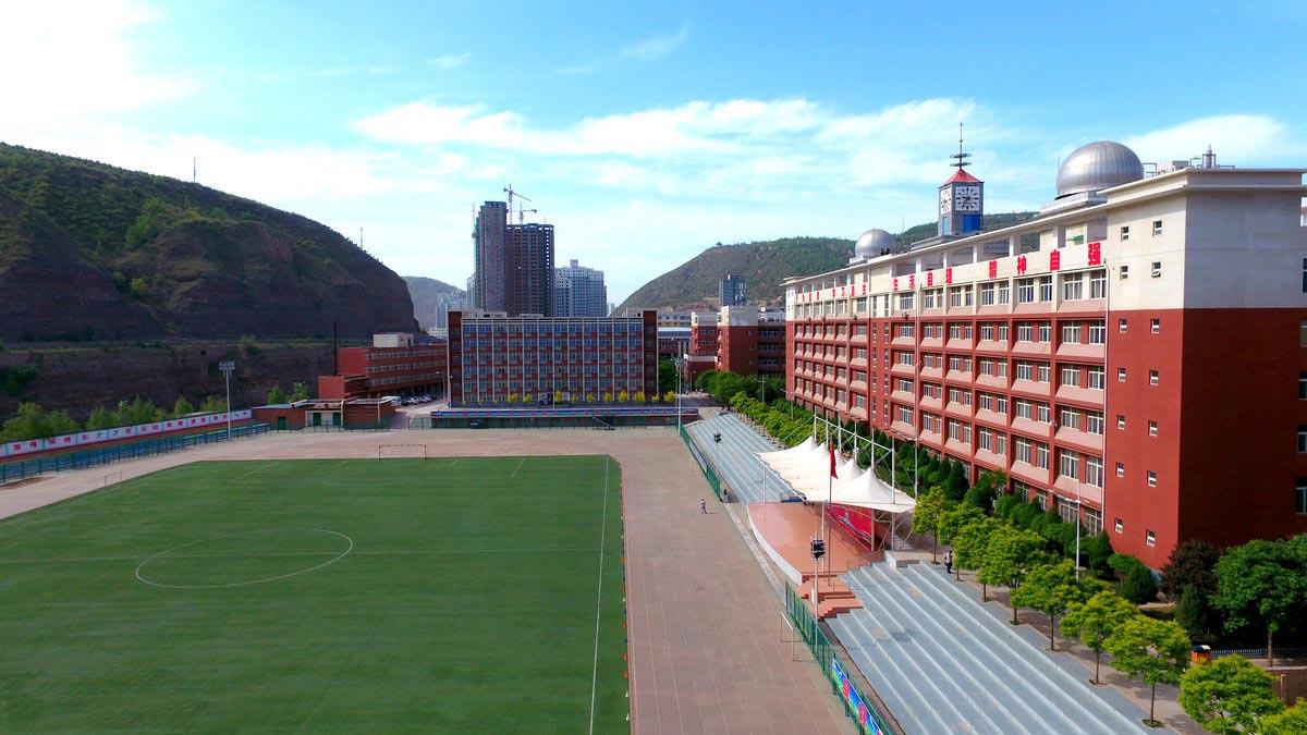 广西省玉海高级中学外墙猫先生案例