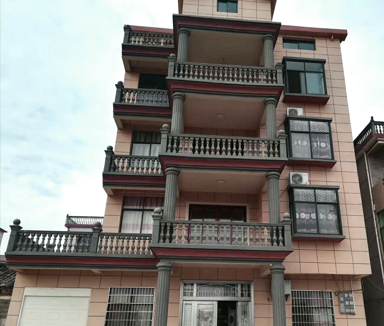 广西桂林市农村别墅外墙水包水效果图案例